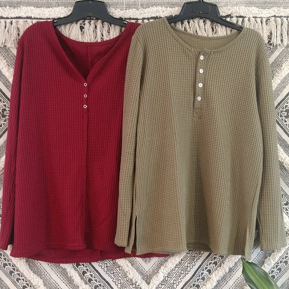 Lot of 2 Woman's long sleeve thermal tops